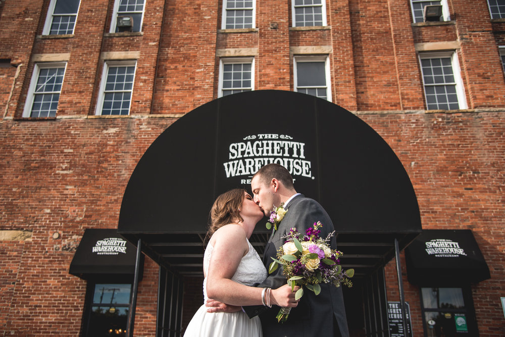 Columbus Ohio Wedding Photographer | Intimate wedding at the Spaghetti Warehouse