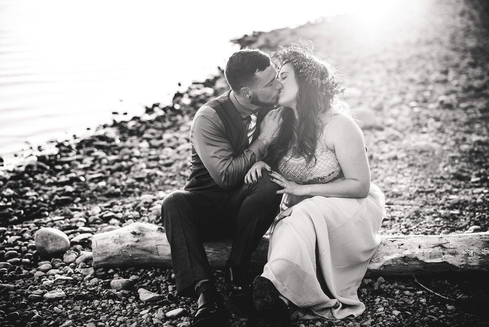 Columbus Ohio Wedding Photographer | beach elopement