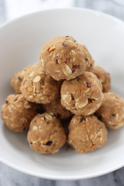 healthy-peanut-butter-protein-balls