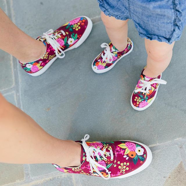 Just me and my mini rocking matching @keds. Obsessed with their new collab with @riflepaperco! These shoes were a little big for Lacey, but I'm so excited for her to fit into them and start walking. Soon enough! Goodnight loves ❤️ xx #KedsStyle 📷: @juliadags