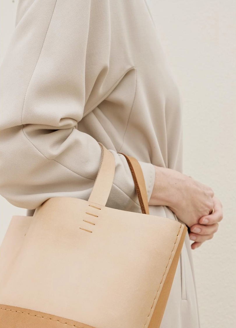 Petit basket Ba    g     by Tiane Tenui    Each 'Tiane Tenui bag is a true representation of the philosophy of the brand — made from leather that hasn't been coated with synthetic top finishes or unnecessary industrial protection so that the true nature of the piece will always be visible.