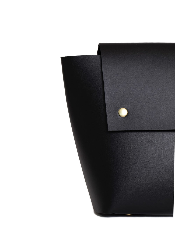 product-backpack-black-detail-2.jpg
