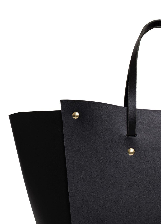 product-rivet-black-detail.jpg