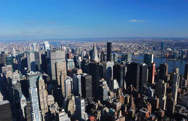 曼哈顿是美国最繁华的地段,是投资的黄金地段