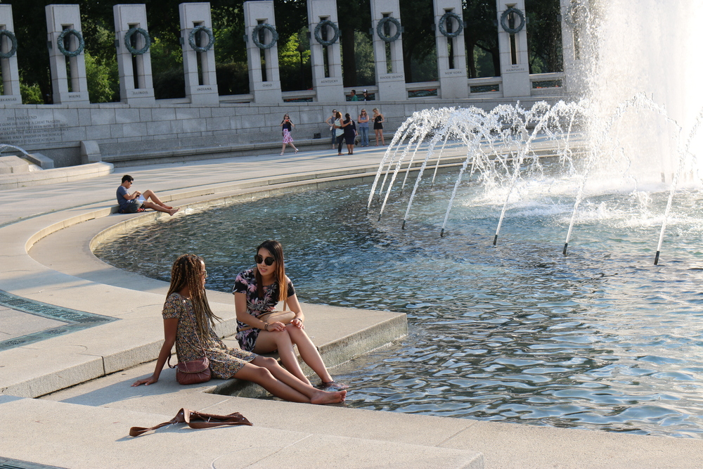 Quickest way to cool off in 90  ° F weather? Take a quick dip in the WWII Memorial fountain!