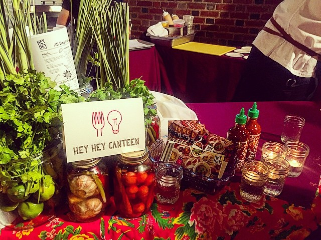 We had an awesome time at the #FoodForThought event in Prospect Park last night! 👏 It was great to chat with friends & neighbors there and we can't wait to see you at the restaurant soon 😉 Our table was decorated by @irenekhin! ✨ #heyheycanteen #parkslope #prospectpark