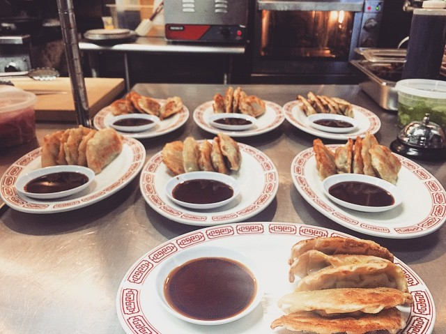 Maybe we should make it a #HeyHeyCanteen Halloween tradition to give out Veggie Dumplings to trick or treaters 🤔🎃 Naaaah, candy is probably easier to carry around. Stop by on Halloween and in the meantime, you can enjoy our dumplings right here or delivered to your door 😁👌 #asianfood #madeinbrooklyn #halloweennyc