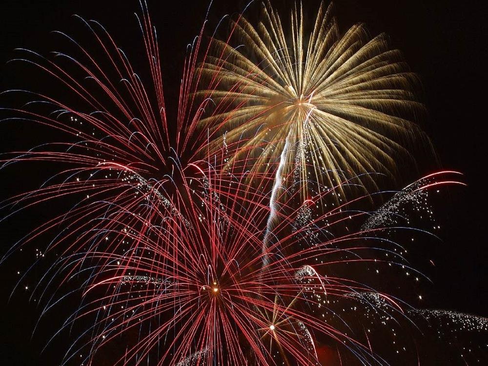 explosion-firework-new-year-s-eve-december-31.jpg