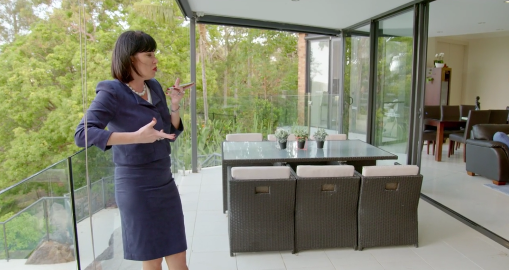Nicole Chats with Lisa - The Real Housewives of Sydney Episode 2 Season 1 Recap S01E02