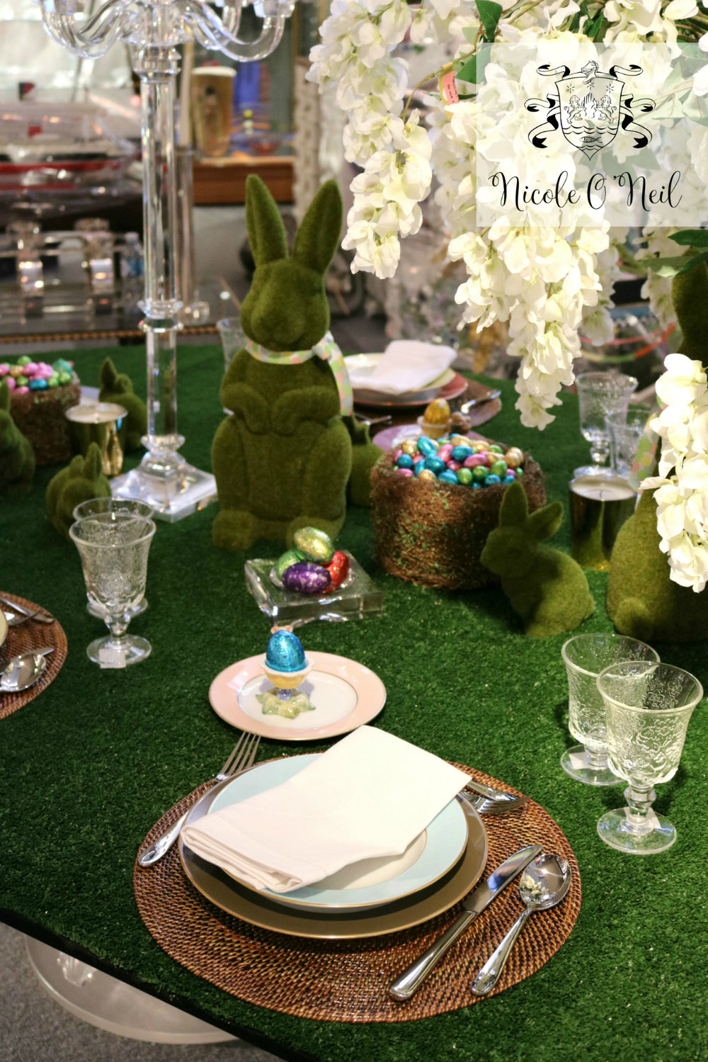 Easter Table Setting Ideas and Inspiration - How to Decorate An Easter Table