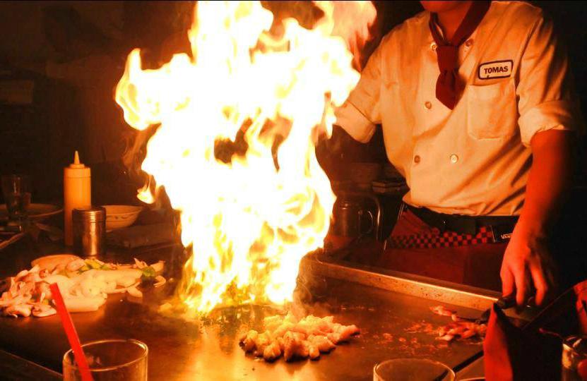 Top 5 Hawaii Must Eats - Tanaka of Tokyo Central Hawaii.jpg