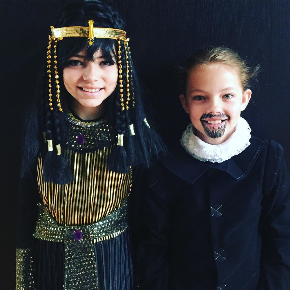 Cleopatra and Shakespeare Historical Figure Halloween Costume Ideas.