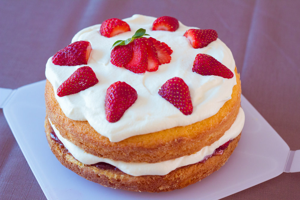 Light and Fluffy Strawberry Sponge Cake Recipe.jpg