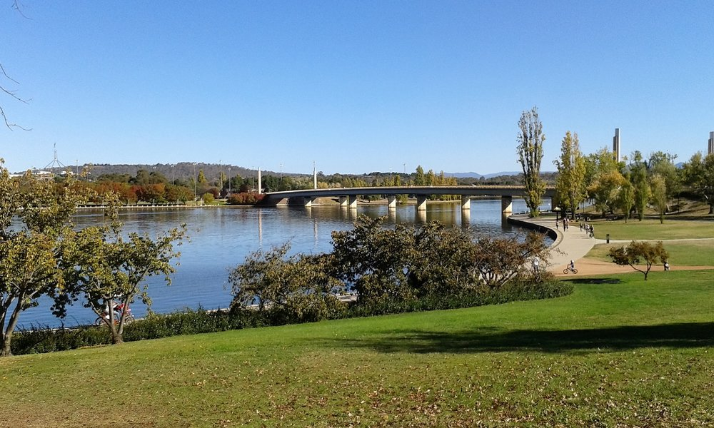 Weekend Guide to Canberra - Where to Walk Lake Burley Griffin
