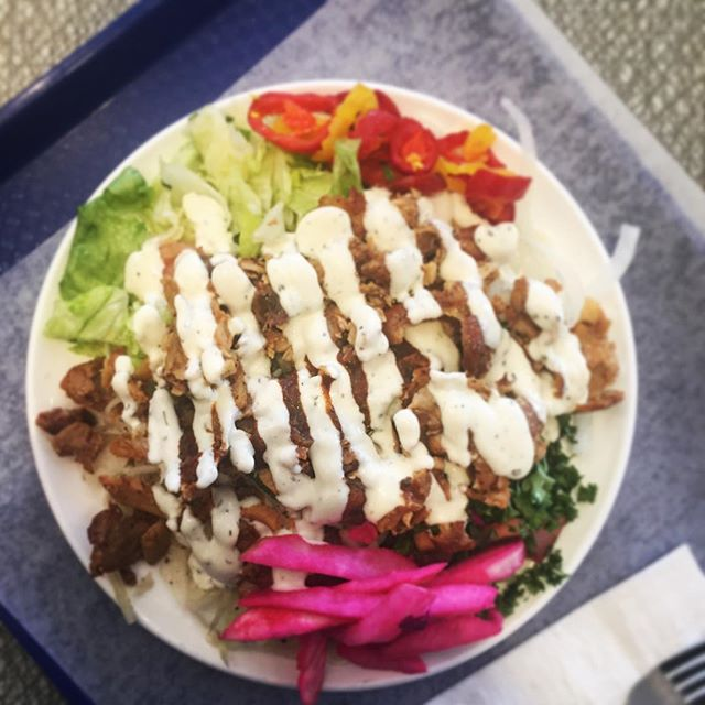 Shawarma Friday 😋 . . . #eatfatbeatfat #ketorecipes #keto #lchf #eatfat #ketofam #ketogenic #lowcarb #ketosis #ketodiet #healthyeating #healthy #lowcarbhighfat #weightloss #weightlossjourney #foodporn #food #ketodietrecipes #banting #ketogenicdiet #shawarma #salad #chicken #tzatziki #friday #lunch