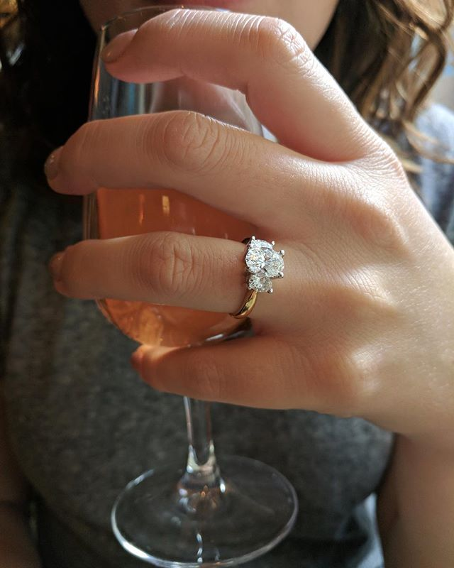 Congratulations to this stunning bride-to-be on her Parisian engagement! We had so much fun designing this ring with her Mr.