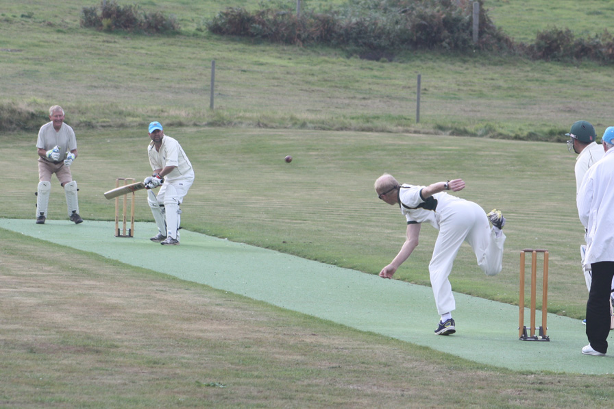 The series went right down to the wire with the Mal's claiming the overall result in Monday's cricket. Image courtesy of the Mel de Mer Club.