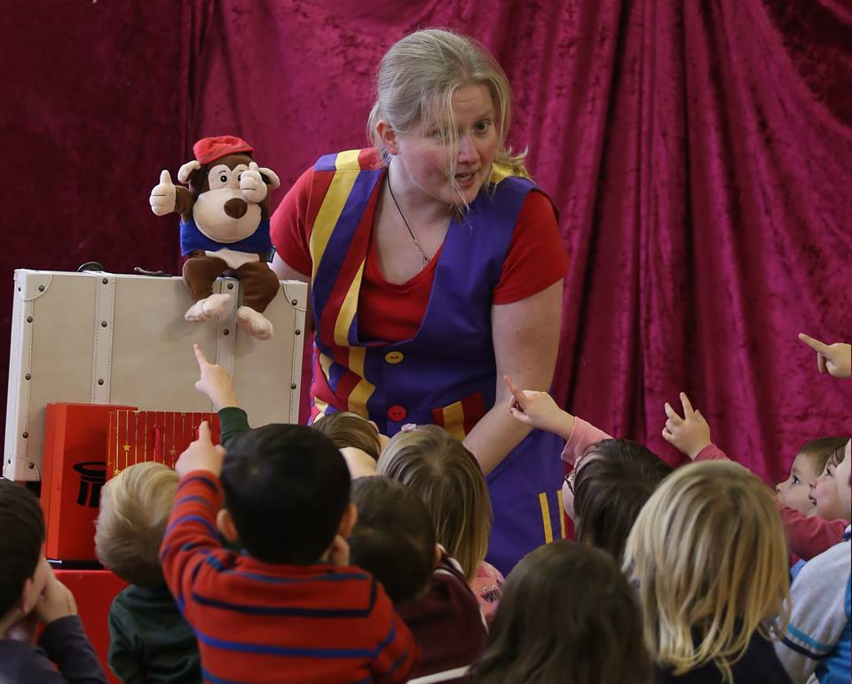 Ine Twist Children's Entertainer South London Club