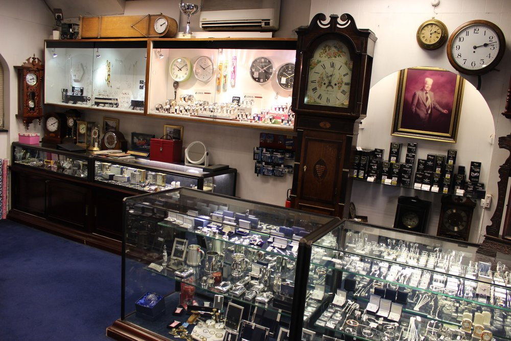 Walsh Brothers Jeweller and Watchmaker in Beckenham South London Club Card 7.jpg