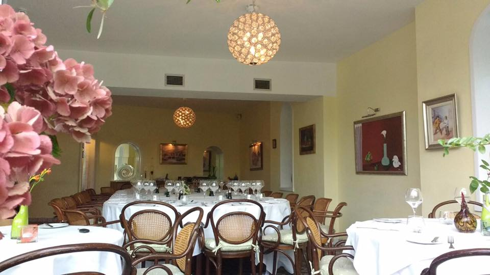 Manuel's Restaurant 5.jpg