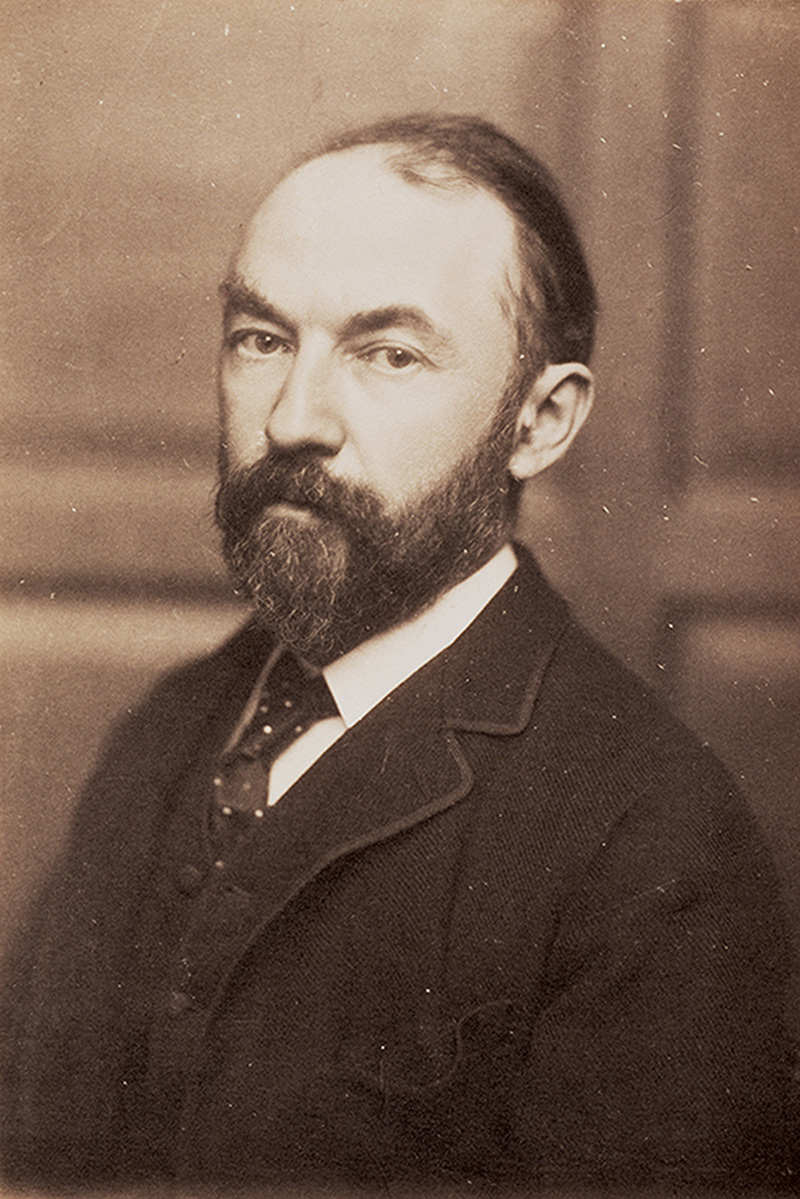 thomas hardy face.jpg