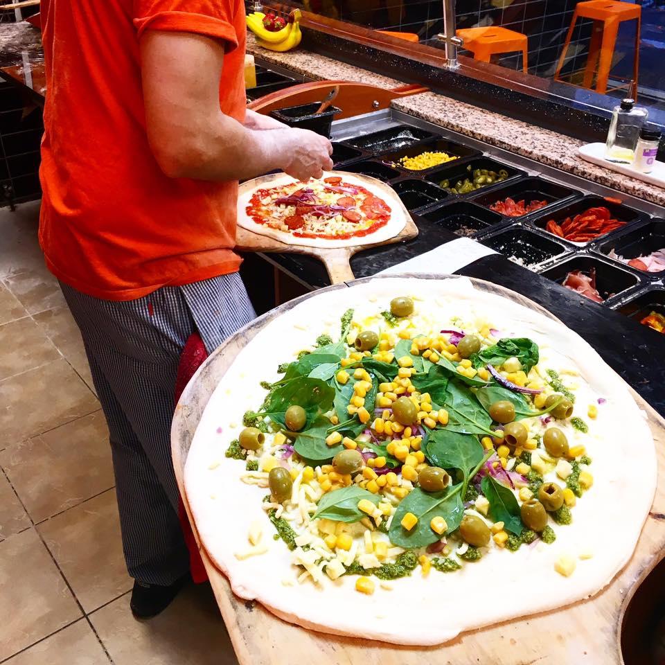 Fireaway Pizza Takeaway Restaurant in Mitcham 6.jpg