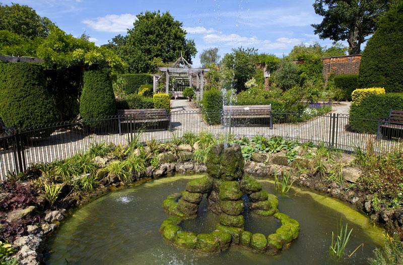 brockwell park 3.jpg