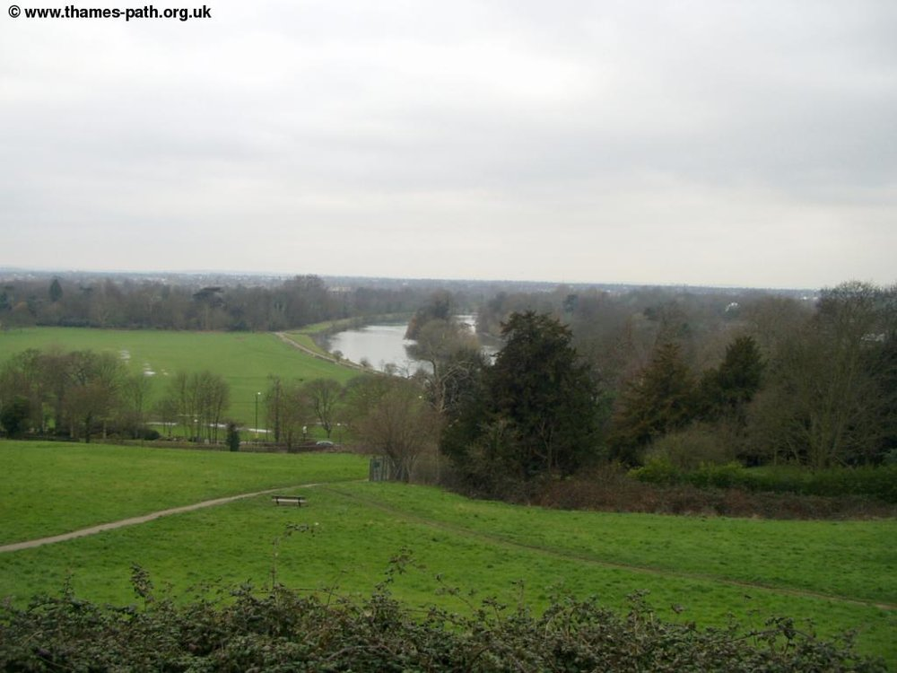 thames_richmond_hampton_court_7.jpg