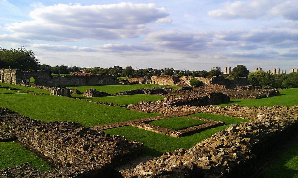 Lesnes_Abbey_in_October_2013.jpg
