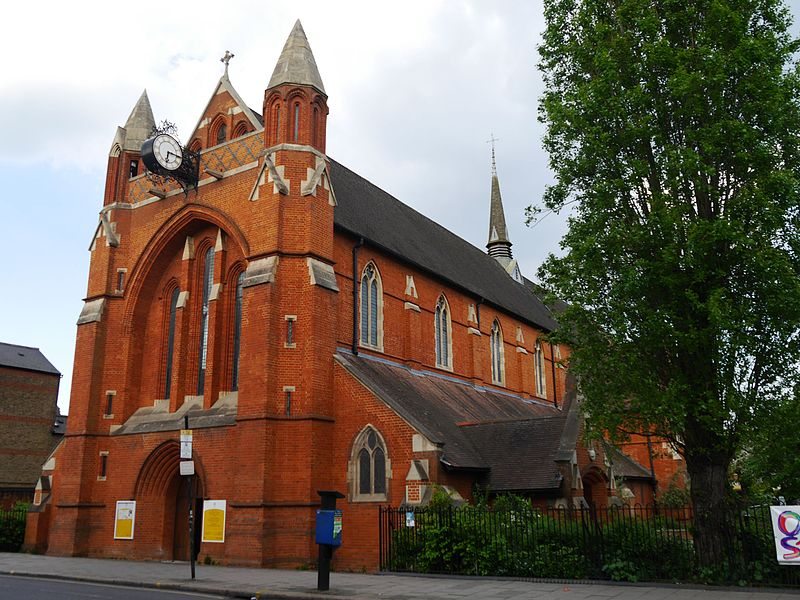 St_Andrew's_Church,_Garratt_Lane,_Earlsfield,_London_03.jpg