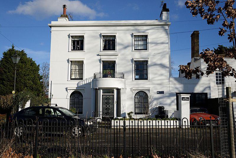 D61_0328_527_The_White_House_Mitcham_Cricket_Green.jpg