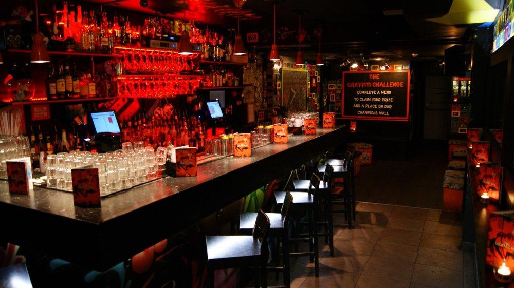 south-london-club-graffiti-bar.jpg