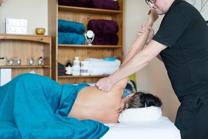 Elementary Massage Massage Therapist in Vauxhall, South Central London  3.jpeg
