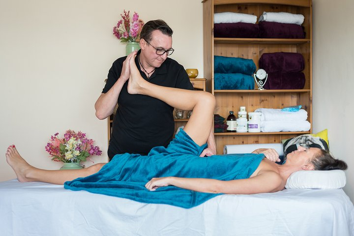Elementary Massage Massage Therapist in Vauxhall, South Central London .jpeg