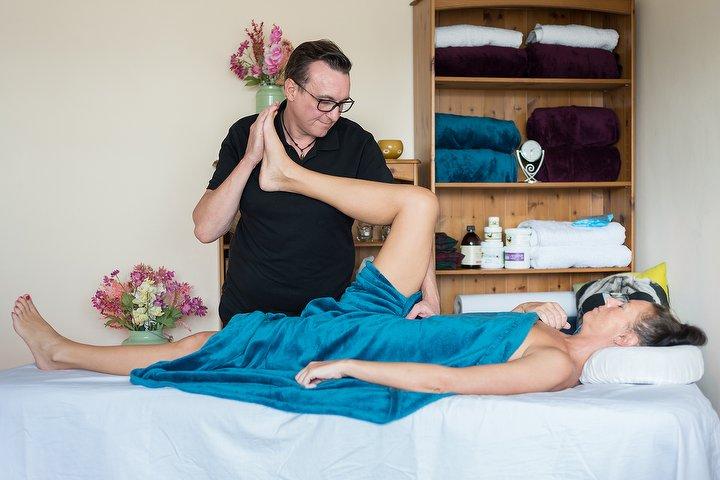 Elementary Massage Massage Therapist in Vauxhall, South Central London .jpeg