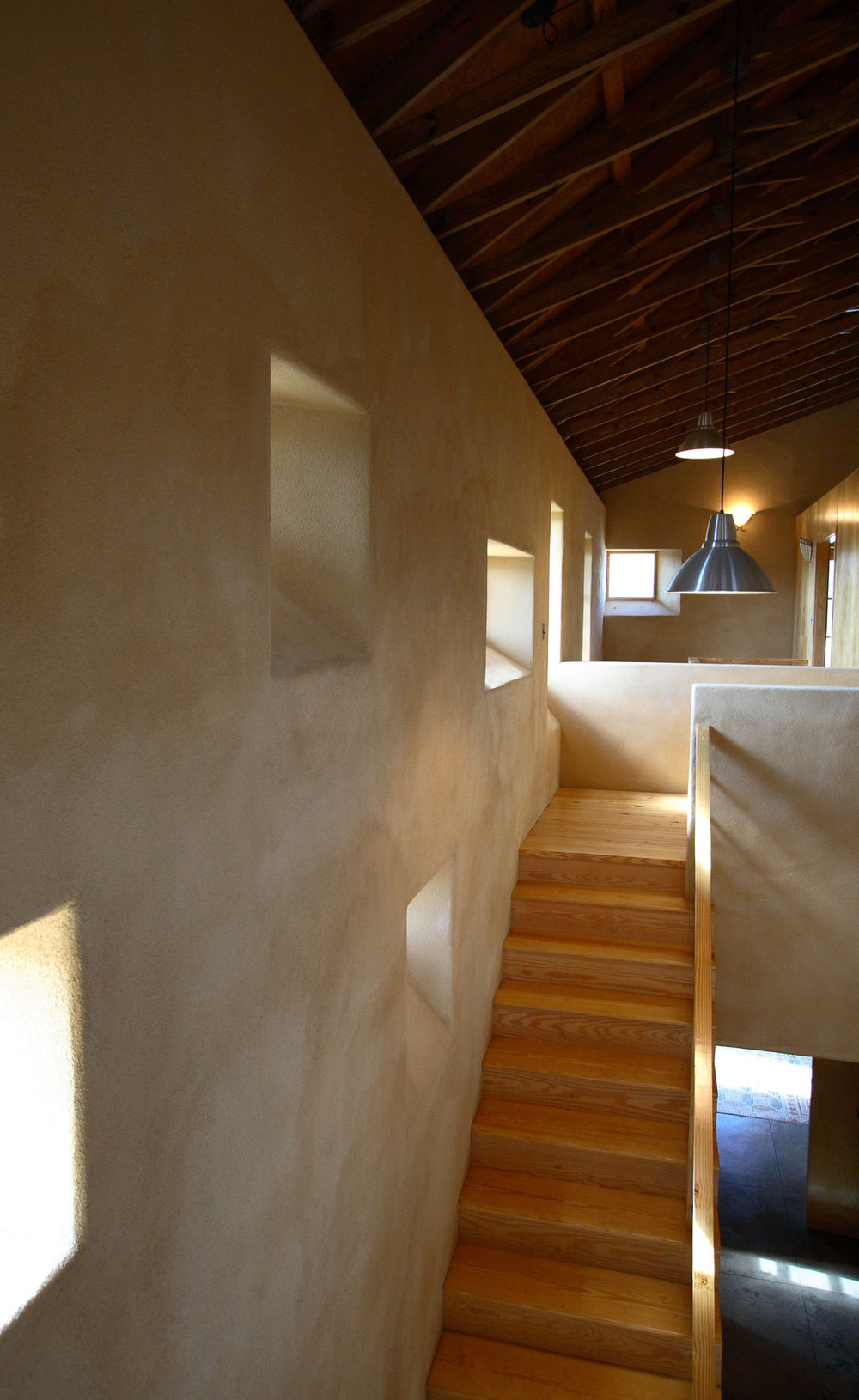 stairwell2.jpg