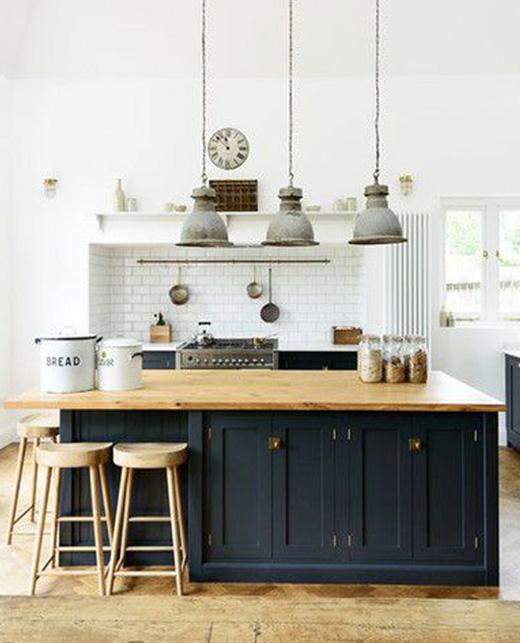 DeVol Tuxedo Kitchen