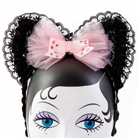 Kinky kitty handmade ears available in two colors or by special order 😸😻😽 #minxykitty #jessicalouise #idontgiveameow