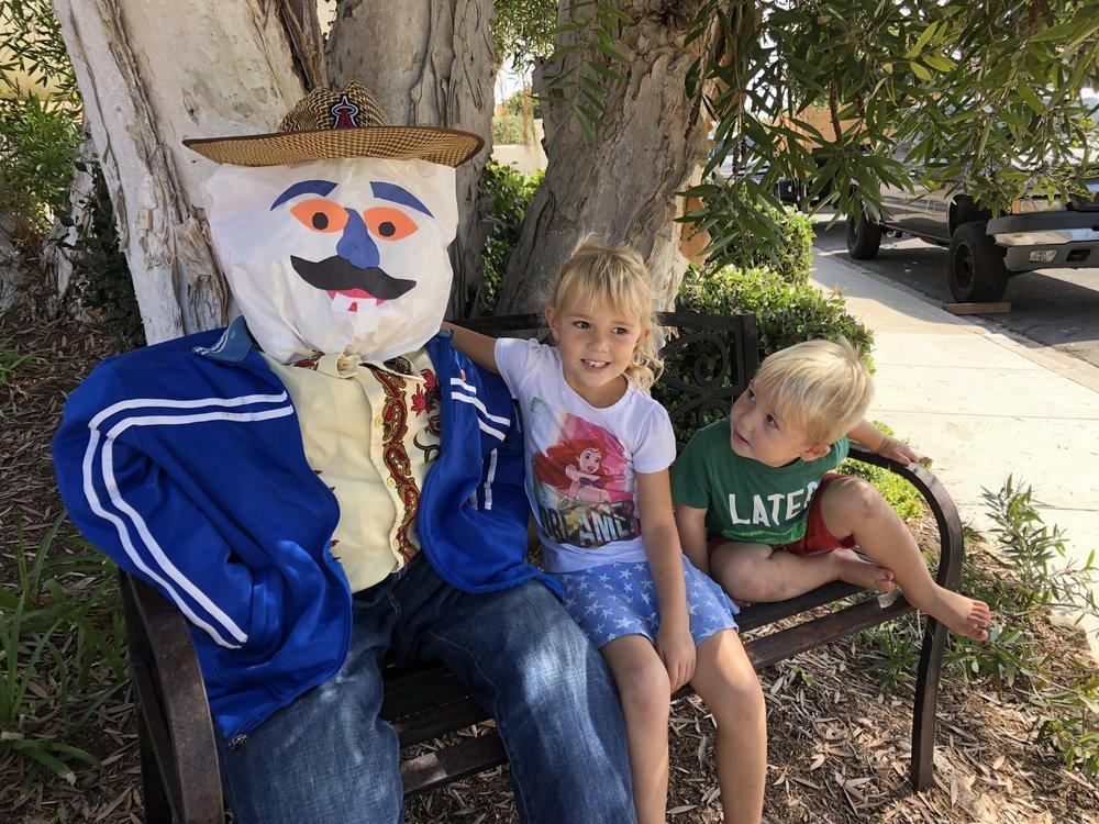 scarecrow-halloween-squirmywormy1