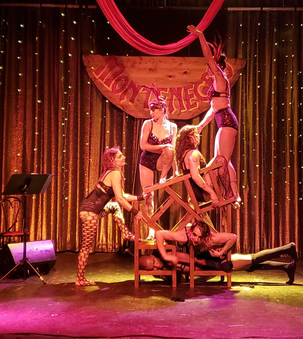 Talented burlesque dancers at the Montenegro party