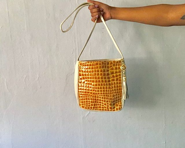 We call this the Honeycomb bag for all you sweet bees living life today! 100% leather back and strap with a faux croc design on front. Roomy and cute! Will be live on the site a little later! 💛