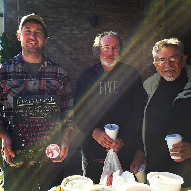 Shelton & Cris are heading out from @fivechattanooga the truck with an amazing Feast!  They will be at The Towers today from 11am-1pm.  But, first they had to help out in their own front yard & send Bob on his way with a hearty lunch! Big thanks to their neighbors @foodworksrestaurant for the contribution to the cause 🍗🙌🏽#givingseason #FIVEfamily #forthepeople