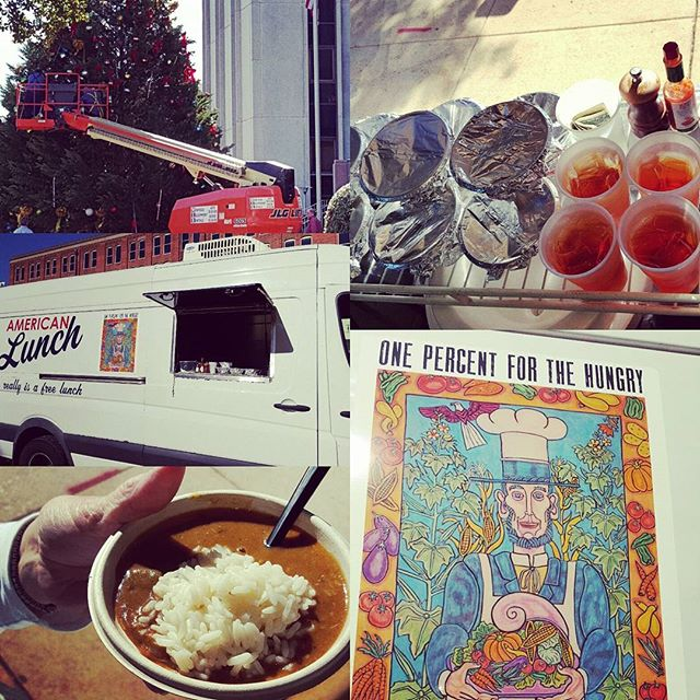 Come see the American Lunch truck for a hot bowl of Seafood Gumbo out here at the Tuscaloosa County Courthouse where its starting to look alot like Christmas this afternoon! #forthepeople #freelunch #fivebar #americanlunch #harbordocks #seafoodgumbo #christmas #decoratethetree