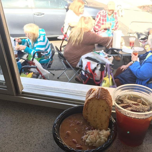 We're keeping warm at Broadway Towers today with some hot (and free!) chicken and concecuh sausage gumbo!  #forthepeople @fiveknoxville