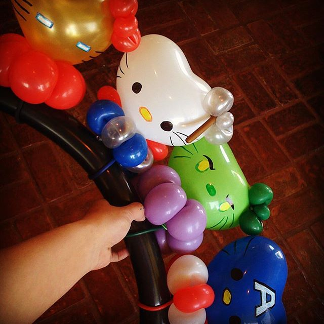 Hello Avengers! (Thor Kitty's bow is a tiny Mjolnir!) #hellokitty #kittiesofinstagram #balloonart #niftyballoons #balloonsofinstagram
