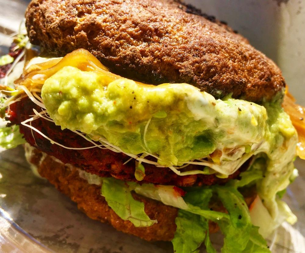 The famous S+S burger!