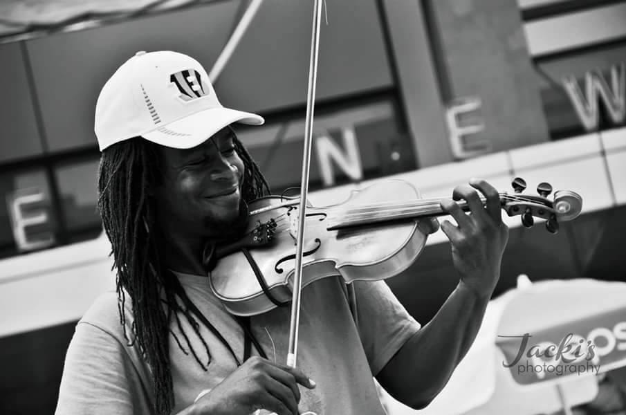 Preston Bell Charles III - Creative violinist & composer PERFORMS: JULY 29 // 8:00 - 8:15 @ FIREHOUSE