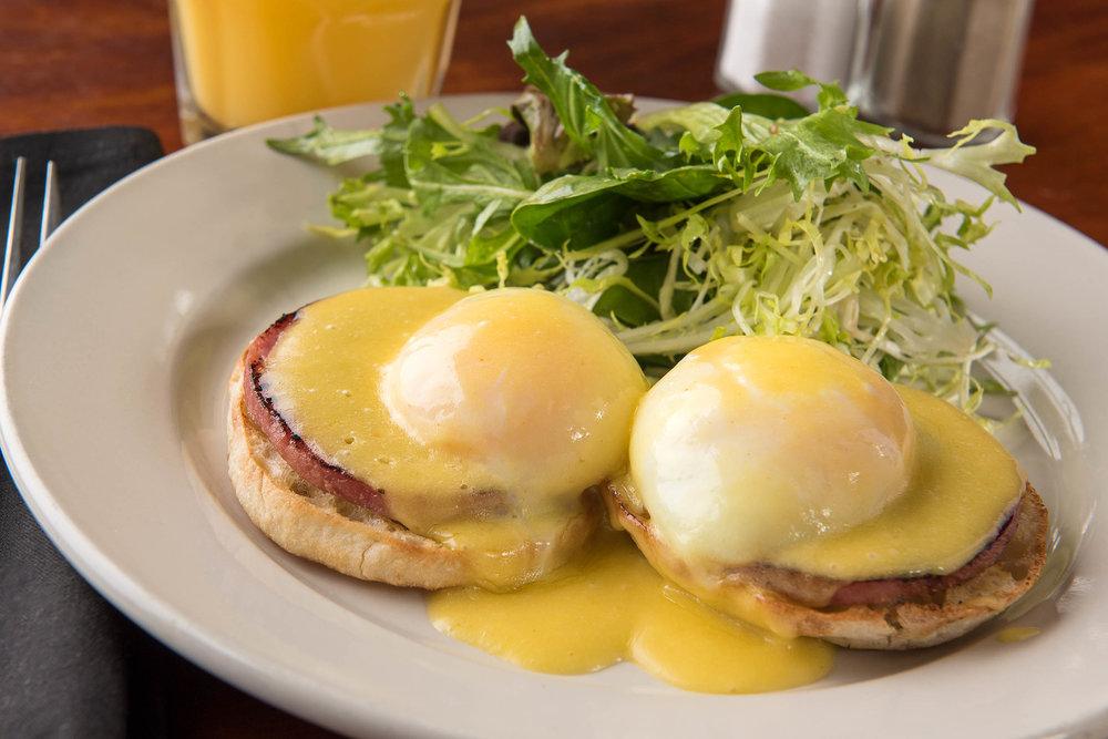 Eggs Benedict 2.jpg