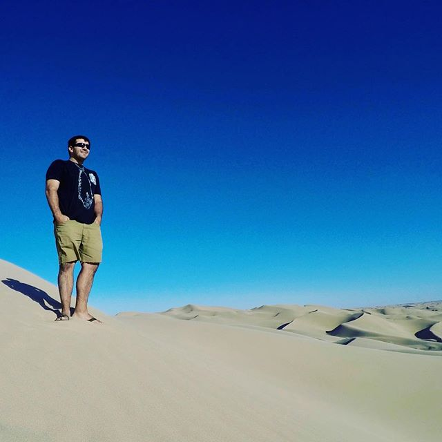 Wandering the desert en route to Mexico!  Looking for fresh fish tie specimens in Baja.  Stay tuned... #casuallyclassy #fishtiet #dunes #sand #desert #mexico #baja #styling #coolthreads #gyotaku #wearableart