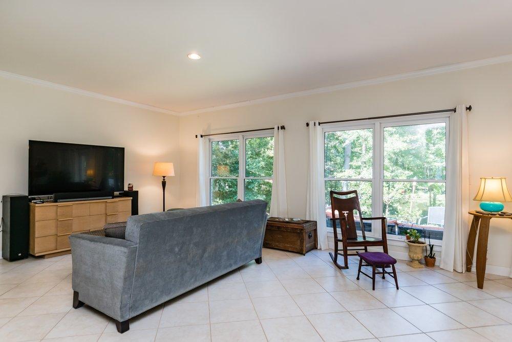 004_Family Room.jpg